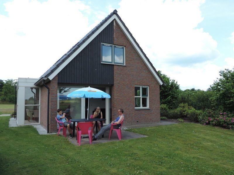 Vrijstaande bungalow voor 8 personen op park De Tien Heugten
